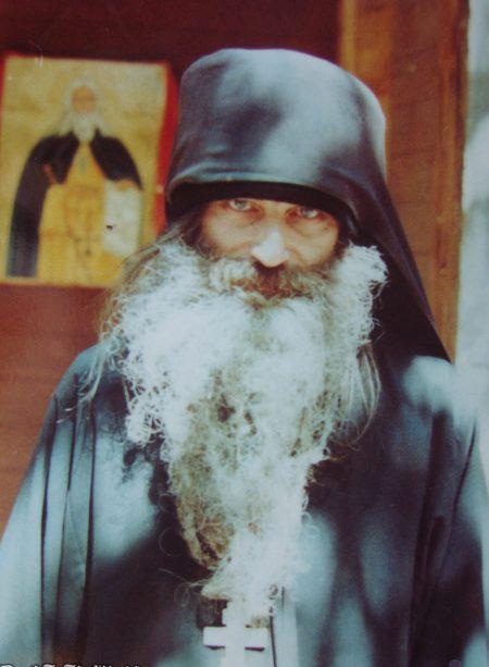 Современиот живот и православното воспитување