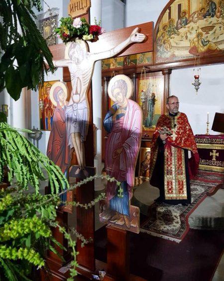 """Утрена богослужба и Оплакување Христово во храмот """"Светa вмч. Недела"""" во Голд Кост (Квинзленд)"""