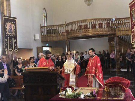 """Света Архиерејска литургија за Воскресение Христово (2 ден) во храмот """"Света вмч. Димитриј"""" во Волонгонг, Сиднеј (Нов Јужен Велс)"""